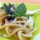 Spaghetti con alici e peperoncini