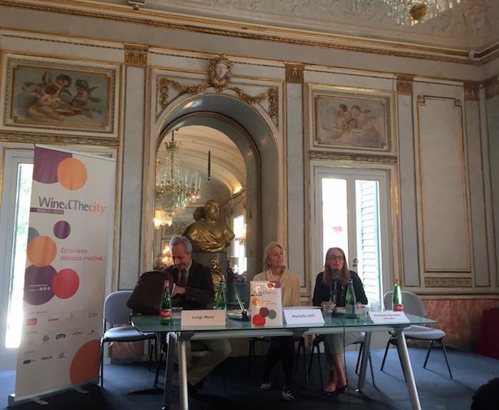 Luigi Moio, Mariella Utili, Sovrintendente del Polo Museale della città di Napoli, e Donatella Bernabò Silorata, ideatrice di W&TC