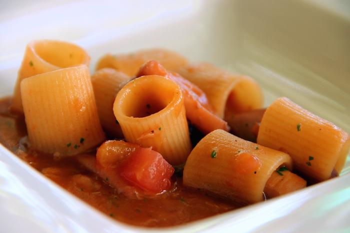 Mezzi rigatoni Gerardo di Nola con zuppa di totano e fagioli cannellini; chef Giulio Coppola- La Galleria di Gragnano