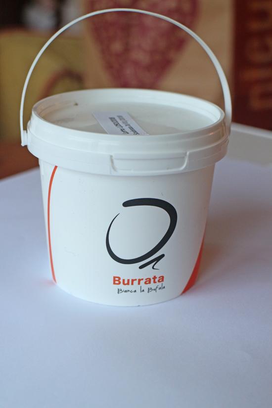 La deliziosa confezione monoporzione per la burratina di Bianca La Bufala