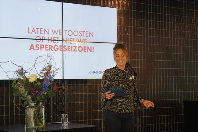 Marleen Stegeman, coordinatrice dell'Aspergecentrum, apre la stagione degli asparagi