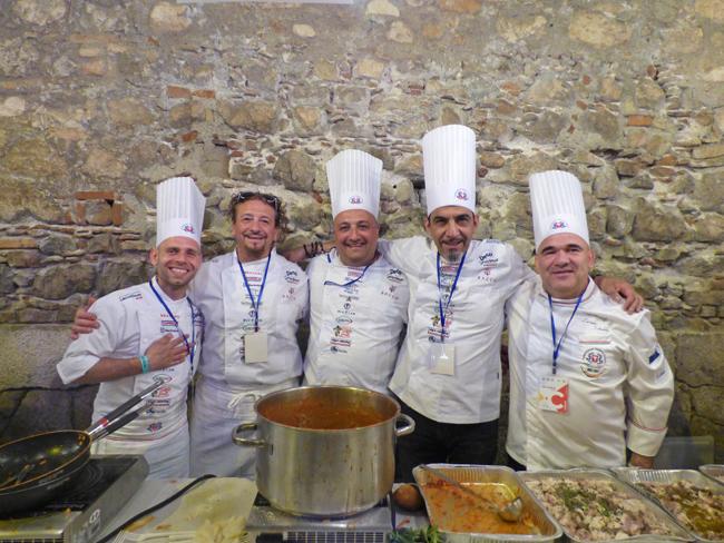 Cibo Nostrum. Da sinistra a destra: Salvatore Randazzo, Angelo Barbagallo, Federico Mocci, Ettore Secchi, Luciano Sabeddu