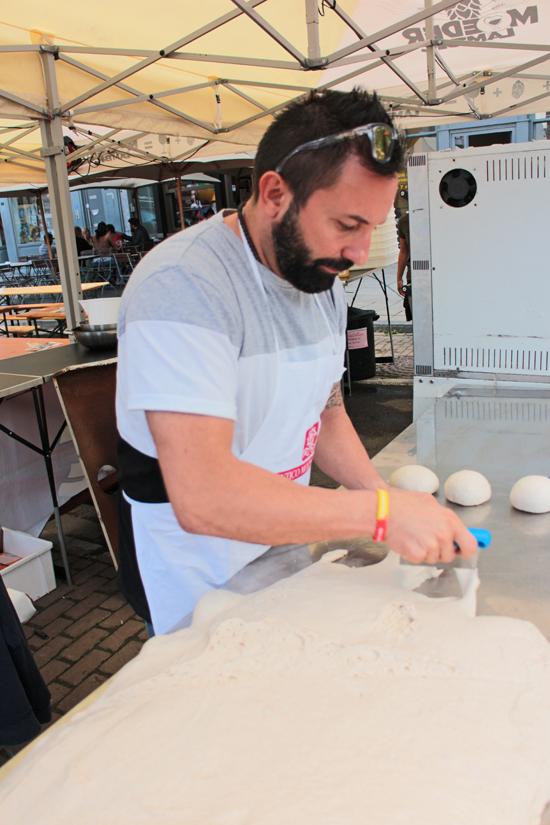 Francesco Oppido prepara la pezzatura